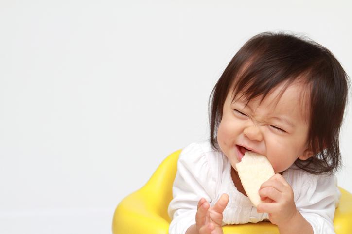 '떡뻥'부터 핑거푸드까지, 돌 전 아기 간식 탐구