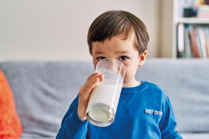 밥 대신 우유만 찾는 아이, 왜 그런가요?
