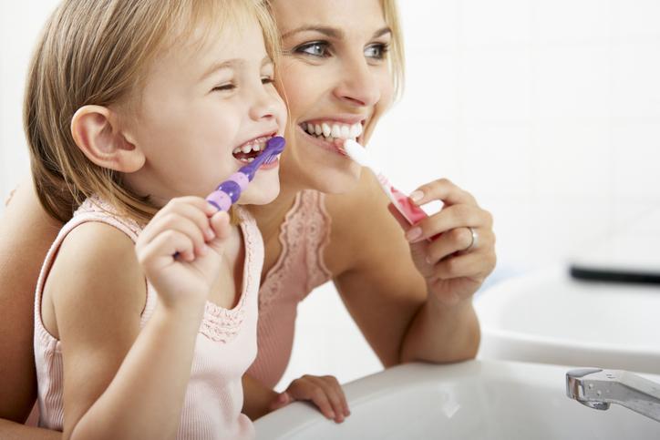 건강하고 활발한 아이로 키우기 - ① 엄마 따라 하기로 즐거운 습관을 만들어요