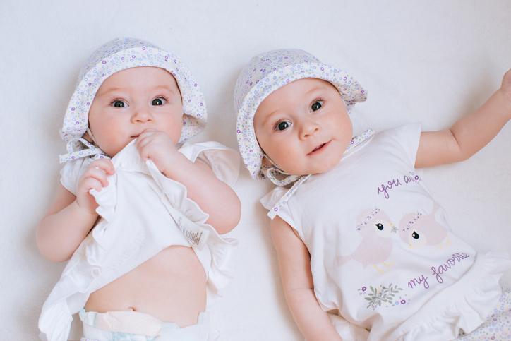 예쁜 딸쌍둥이 태몽 이렇게 꾸었어요